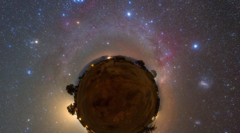 Snímka Malý ako Mars od Roberta Barsy bola publikovaná 5. marca 2021 v NASA