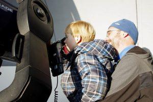 Pozorování pro veřejnostna observatořiWHOO!.Foto:S. Beerová/Fyzikální ústav vOpavě.