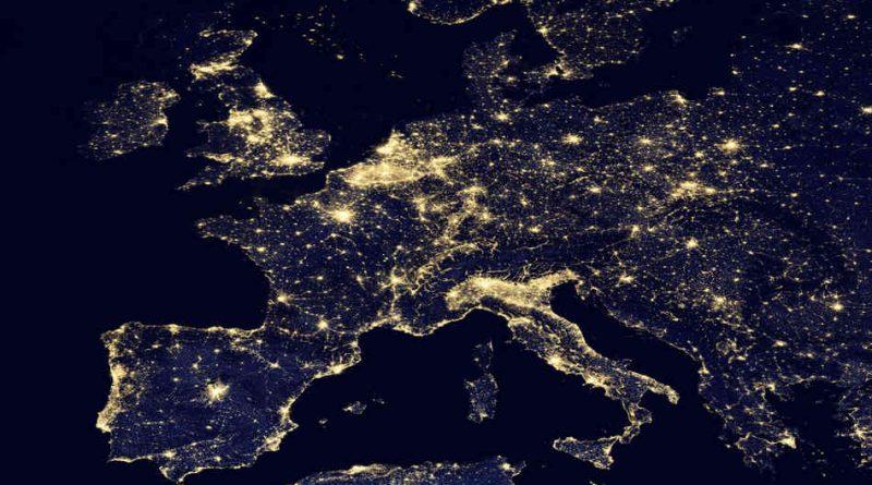 Světelné znečištění v Evropě. Foto: NASA.