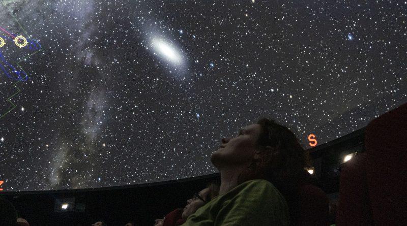 Projekce vesmíru v Unisféře. Foto: A. Hofer/FÚ v Opavě.