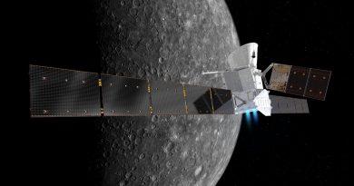 Sonda ESA-BepiColombo nad Merkúrom (Zdroj: ESA)